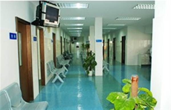 宁波市第一医院体检中心走廊